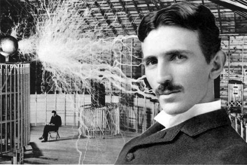 ¡Piensa como Tesla!